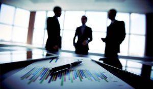 Empresários investidores em reunião